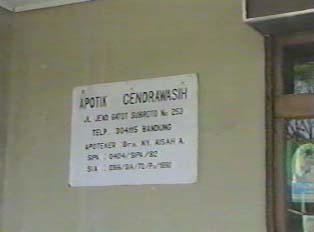 Pharmacist information sign