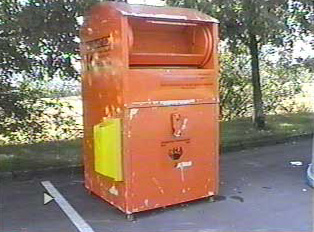 Recycling container for clothing