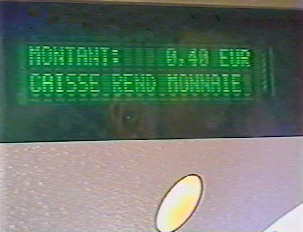Amount due: 40 cents(euros), this machine gives back change.